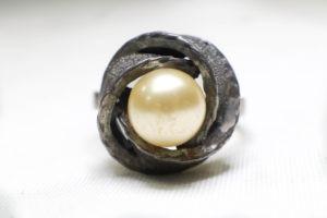 แหวนมุกสีทองมุกโบราณเก่า