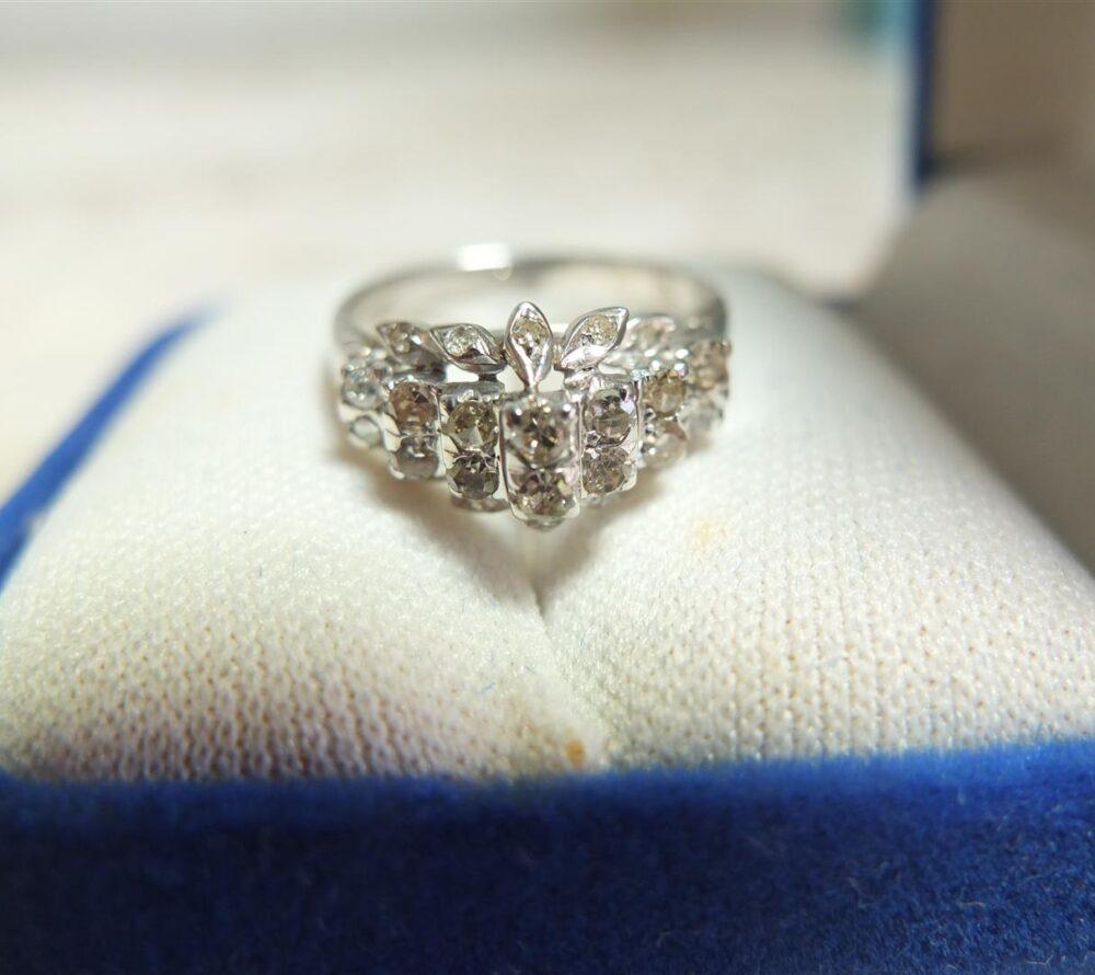 แหวนทองคำขาวเพชรเกสร