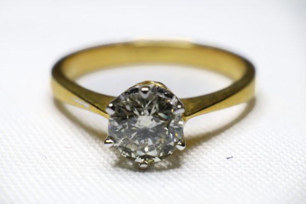 แหวนทองเพชรเกสร