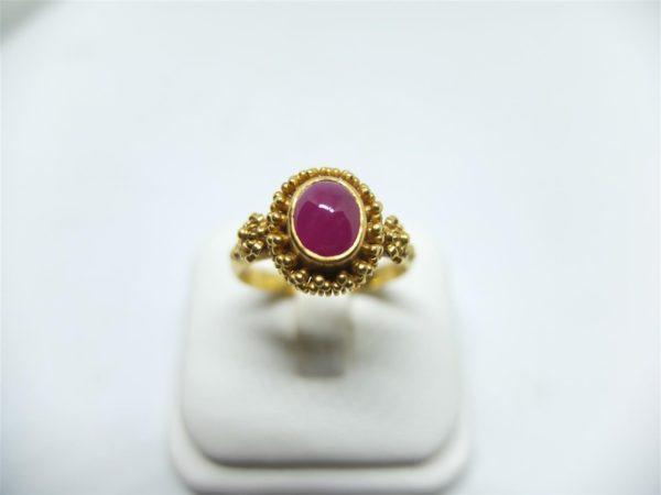 แหวนทองยอดทับทิมพม่า