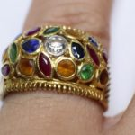 ใส่แหวนนิ้วไหนรวย