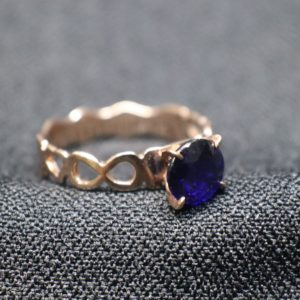 แหวนพลอยไพลิน